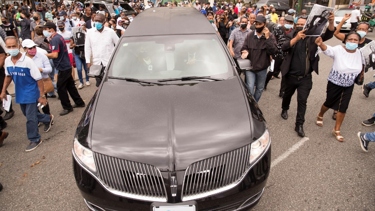 Cientos de personas despiden al merenguero dominicano Johnny Ventura