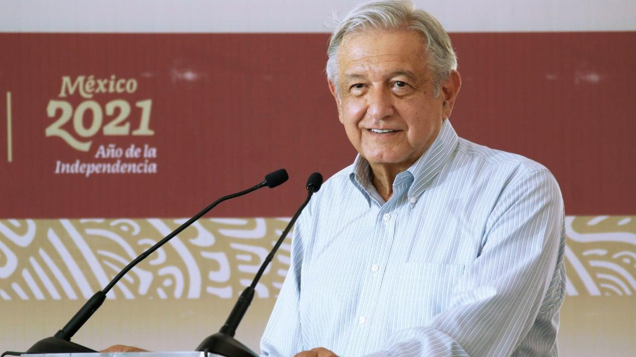 Democracia no puede fracasar, dice AMLO al promover Consulta Popular