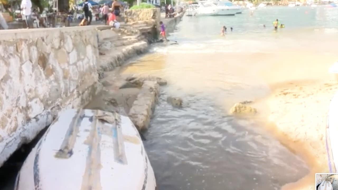 Continúa descarga de aguas residuales a las playas de Acapulco