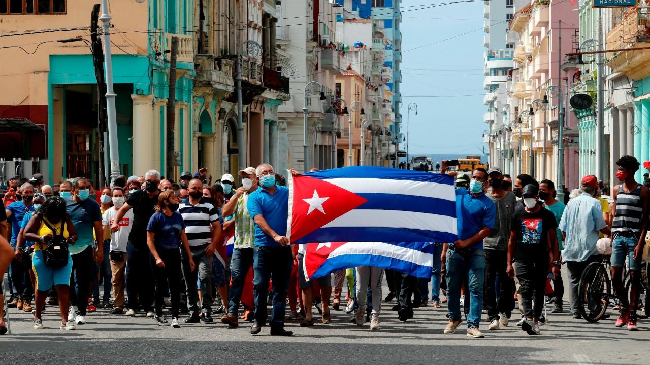 Cuba amanece sin internet móvil tras históricas protestas contra el Gobierno