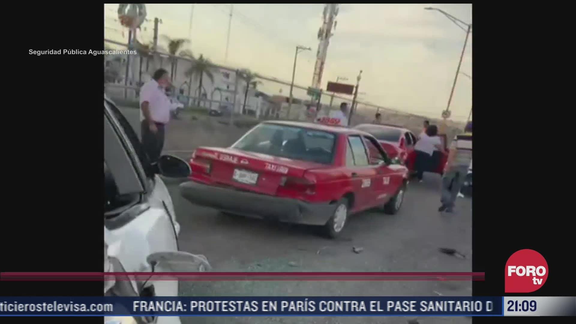 deja 2 heridos por carambola de 9 vehiculos en aguascalientes