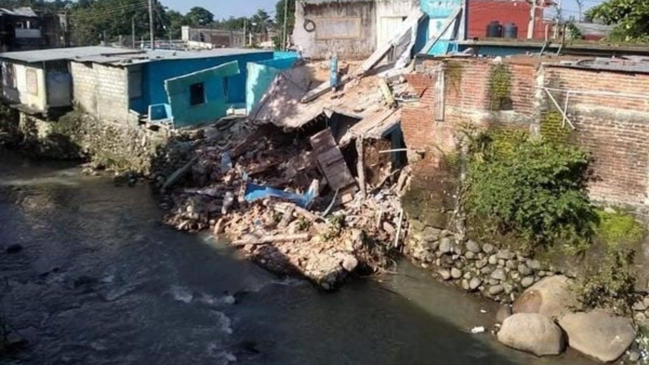 Desborde del río Texcuyuapan, en Tapachula, daña 5 casas