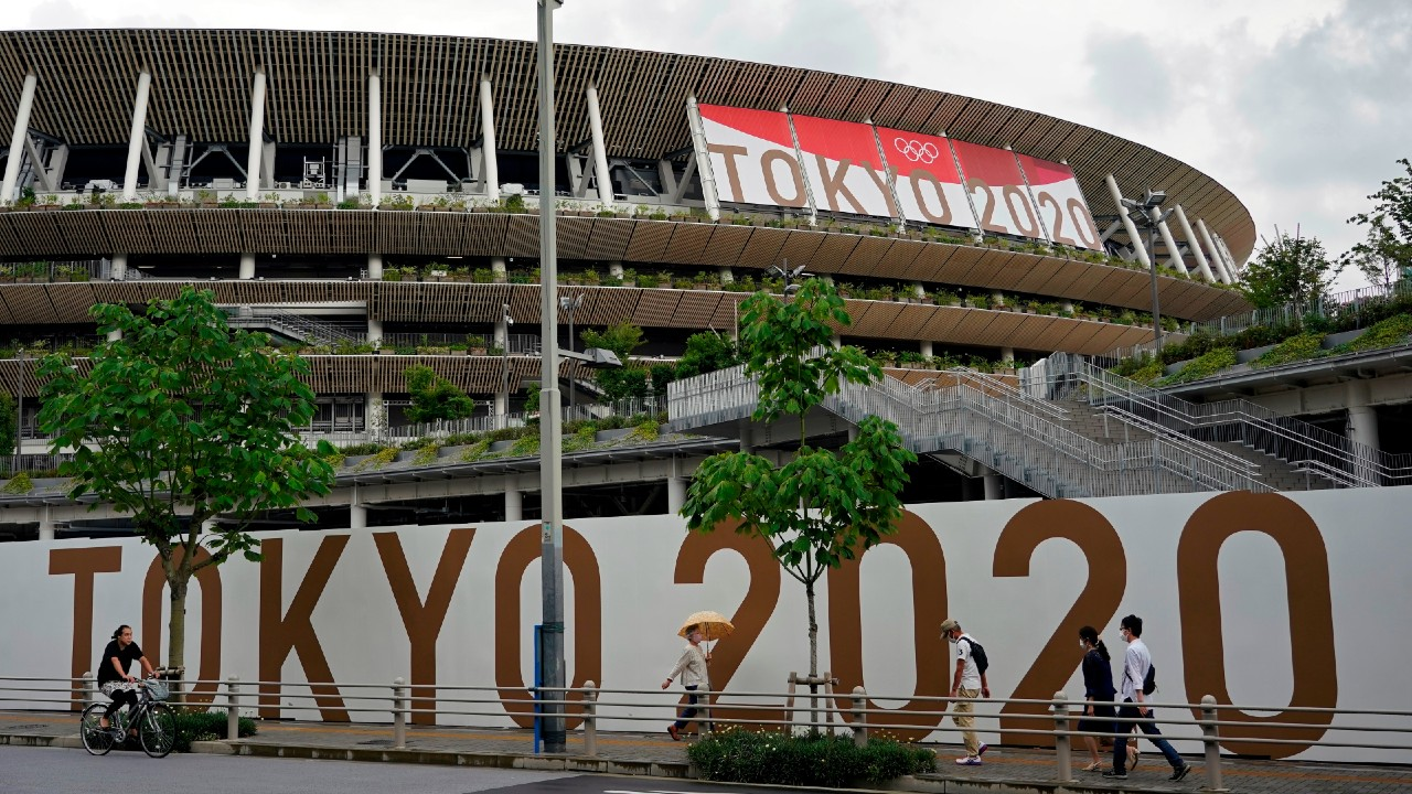 El positivo de COVID-19 en Villa Olímpica _no supone riesgos_ para otros atletas, afirma COI
