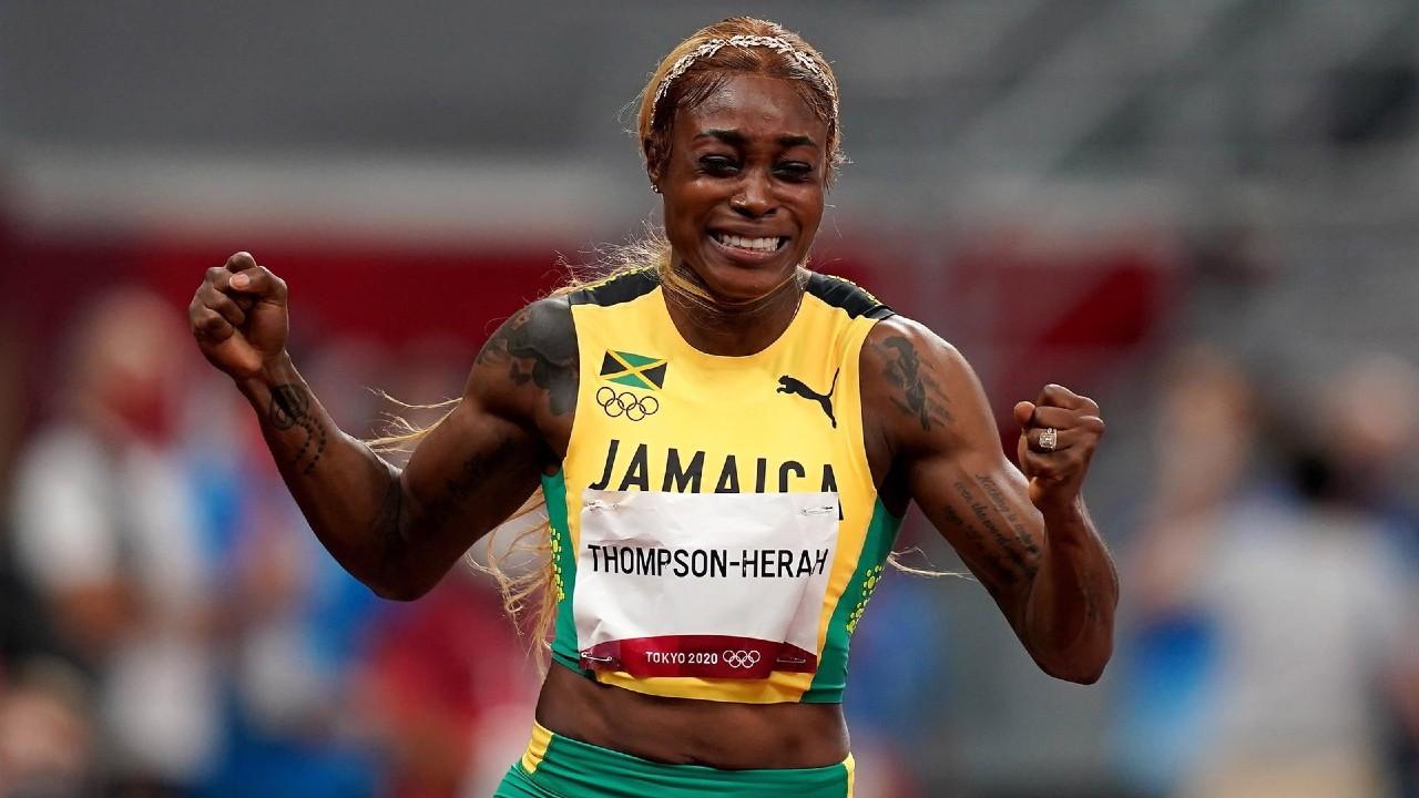 Elaine Thompson-Herah retiene la corona olímpica en los 100 metros