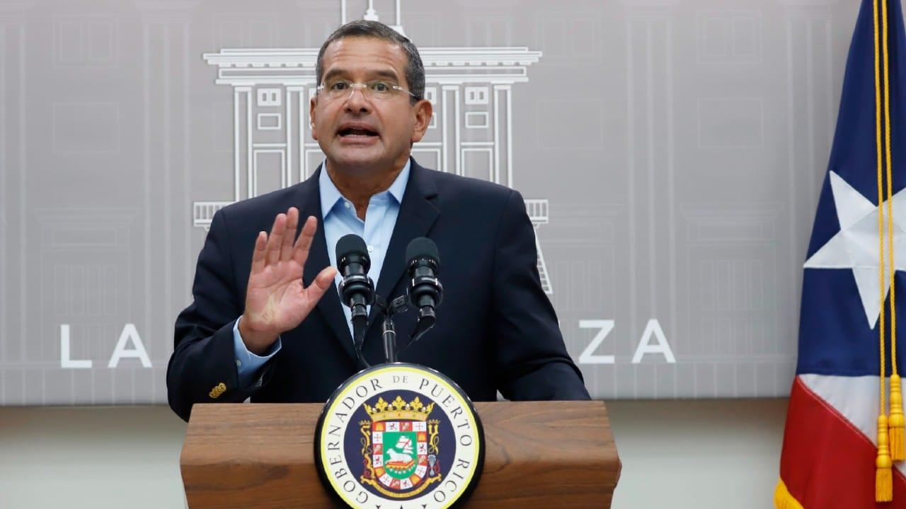 Empleados púbicos de Puerto Rico tendrán que estar vacunados contra el COVID-19 en agosto
