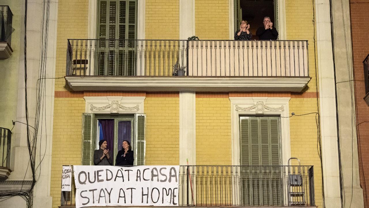 España busca endurecer restricciones por COVID ante quinta ola de la pandemia