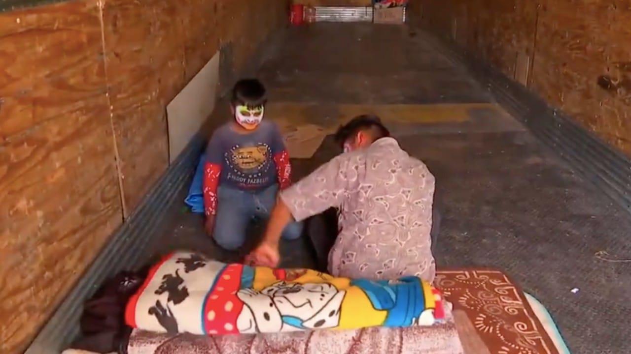 Familia que dormía en tráiler tras la pandemia, recupera su vida tras apoyo de vecinos y DIF