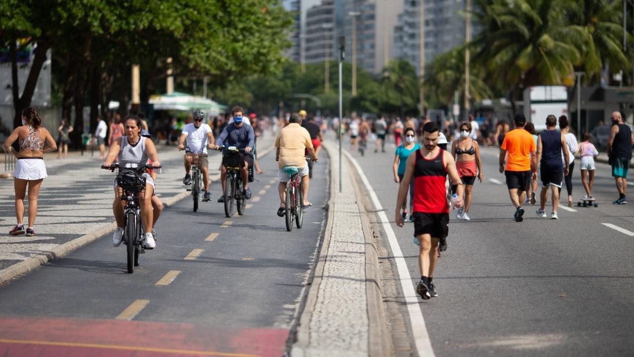 Promedio de muertes por COVID en Brasil cae a su menor nivel en cinco meses