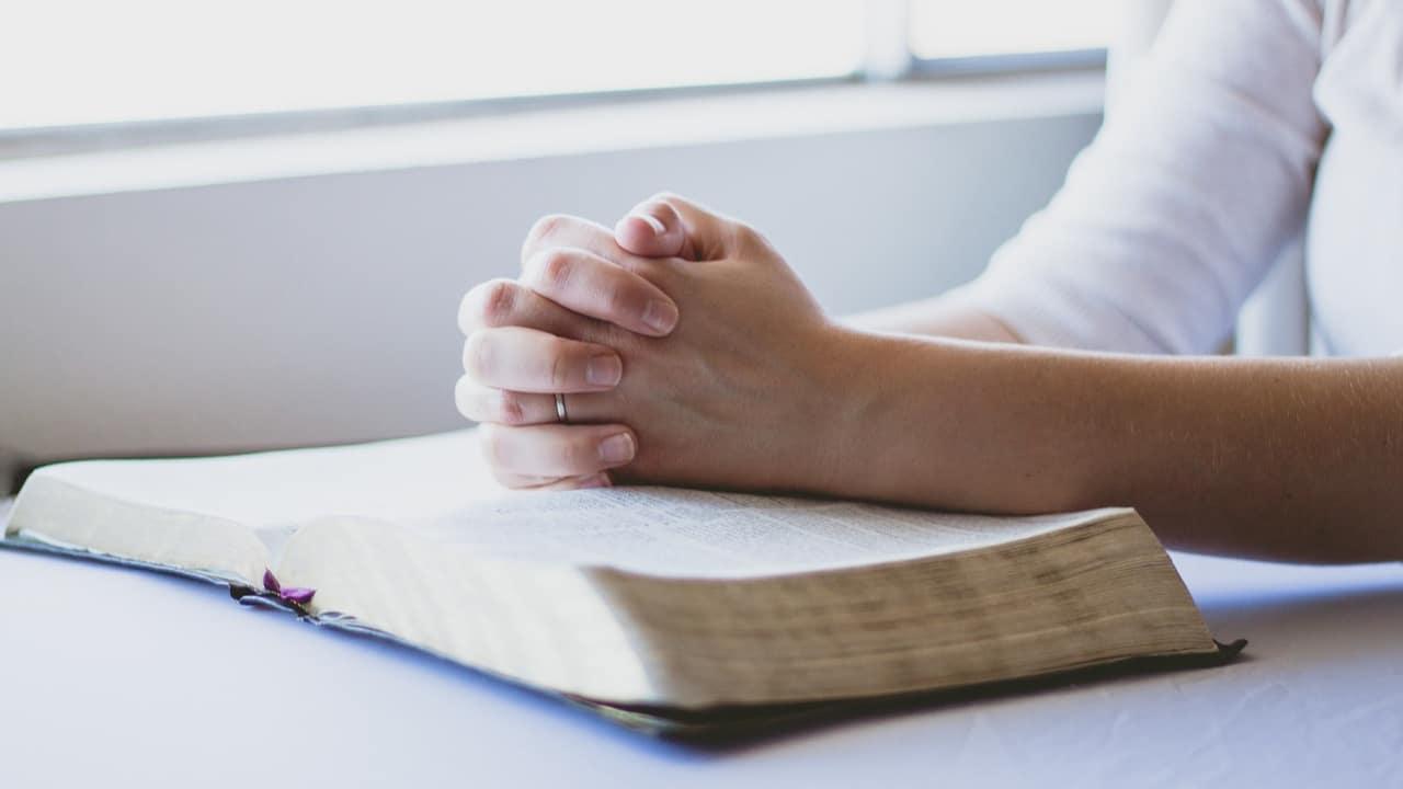 Religiosidad ayudaría en la pandemia: estudio