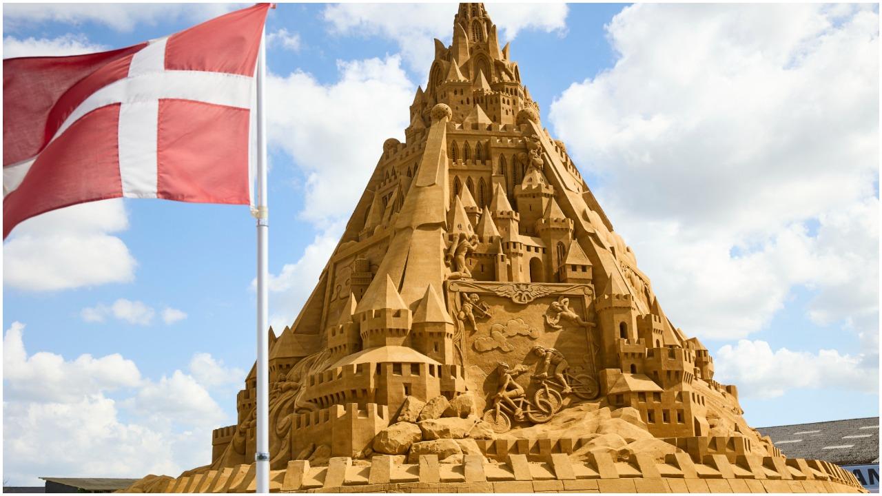 Fotos del castillo de arena más alto del mundo construido en Dinamarca