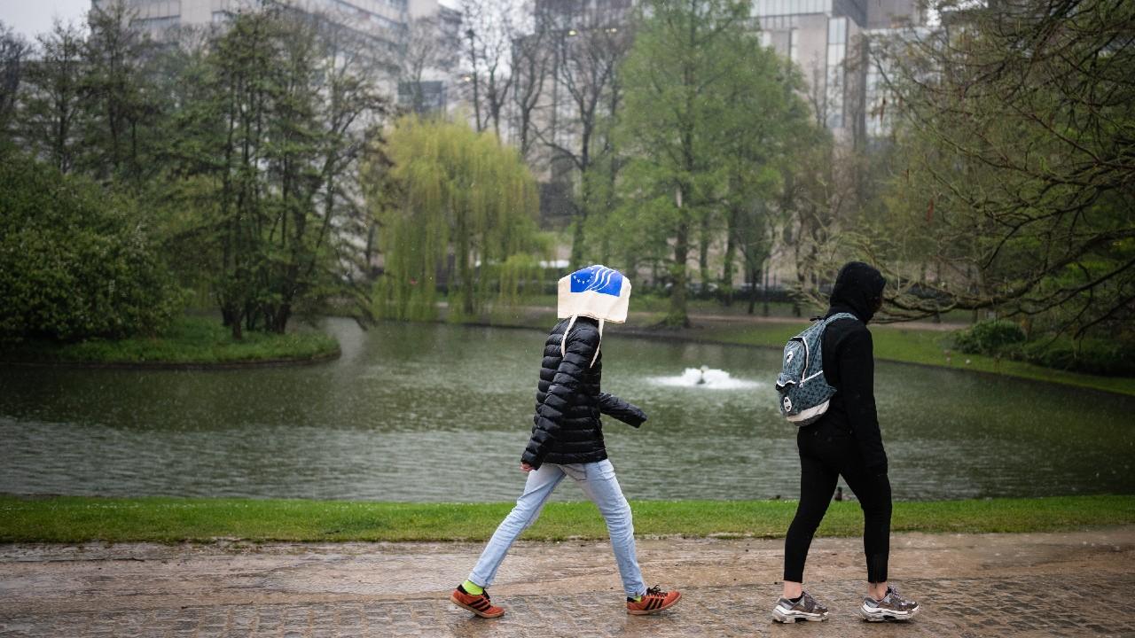 Fuertes lluvias provocan inundaciones y desalojos en Países Bajos y Bélgica