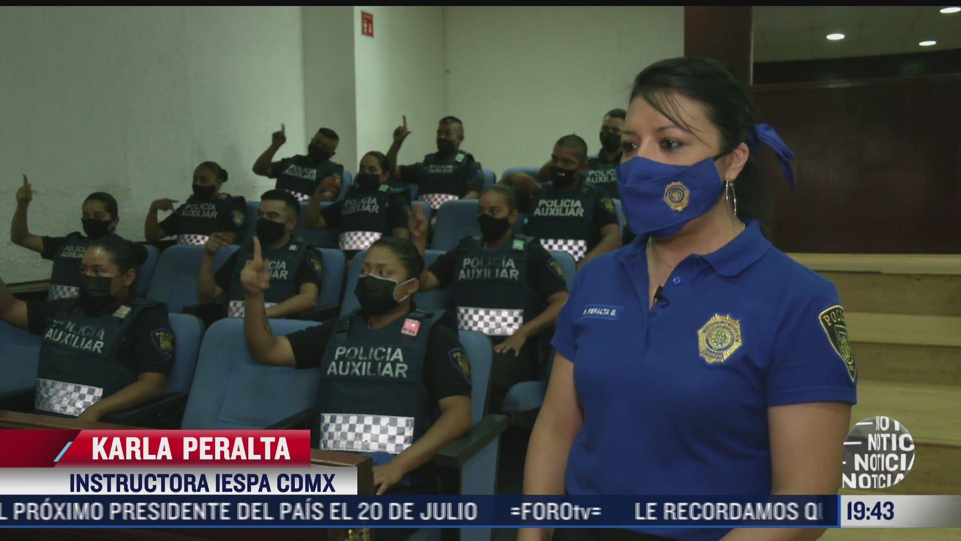 imparten taller de lengua de senas para policias en cdmx