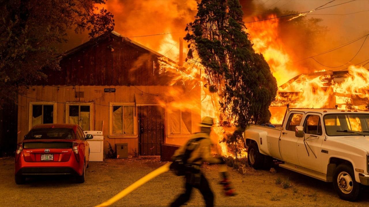 Incendio forestal en California (AP)