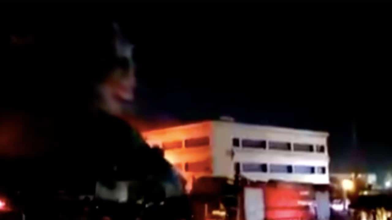 Incendio en unidad COVID de hospital de Irak deja al menos 35 muertos