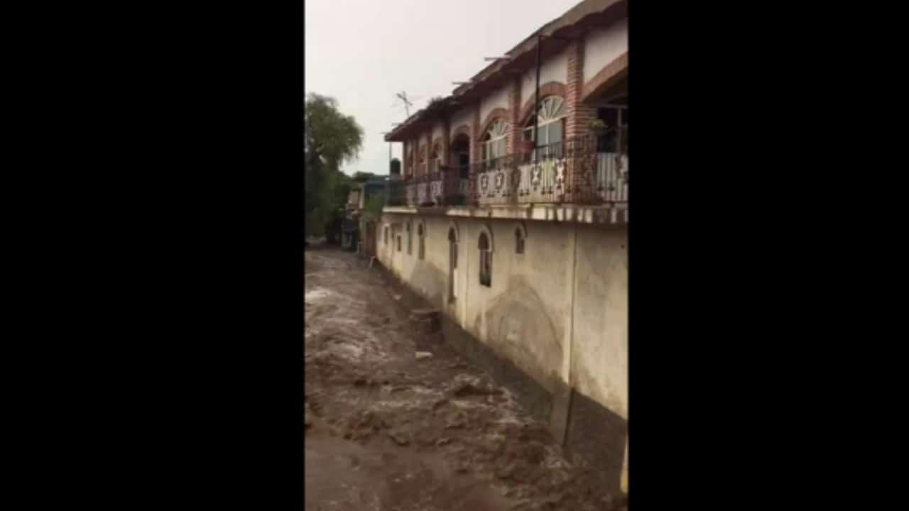 Intensas lluvias provocan desbordamiento de río La Pasión en Tizapán el Alto, Jalisco