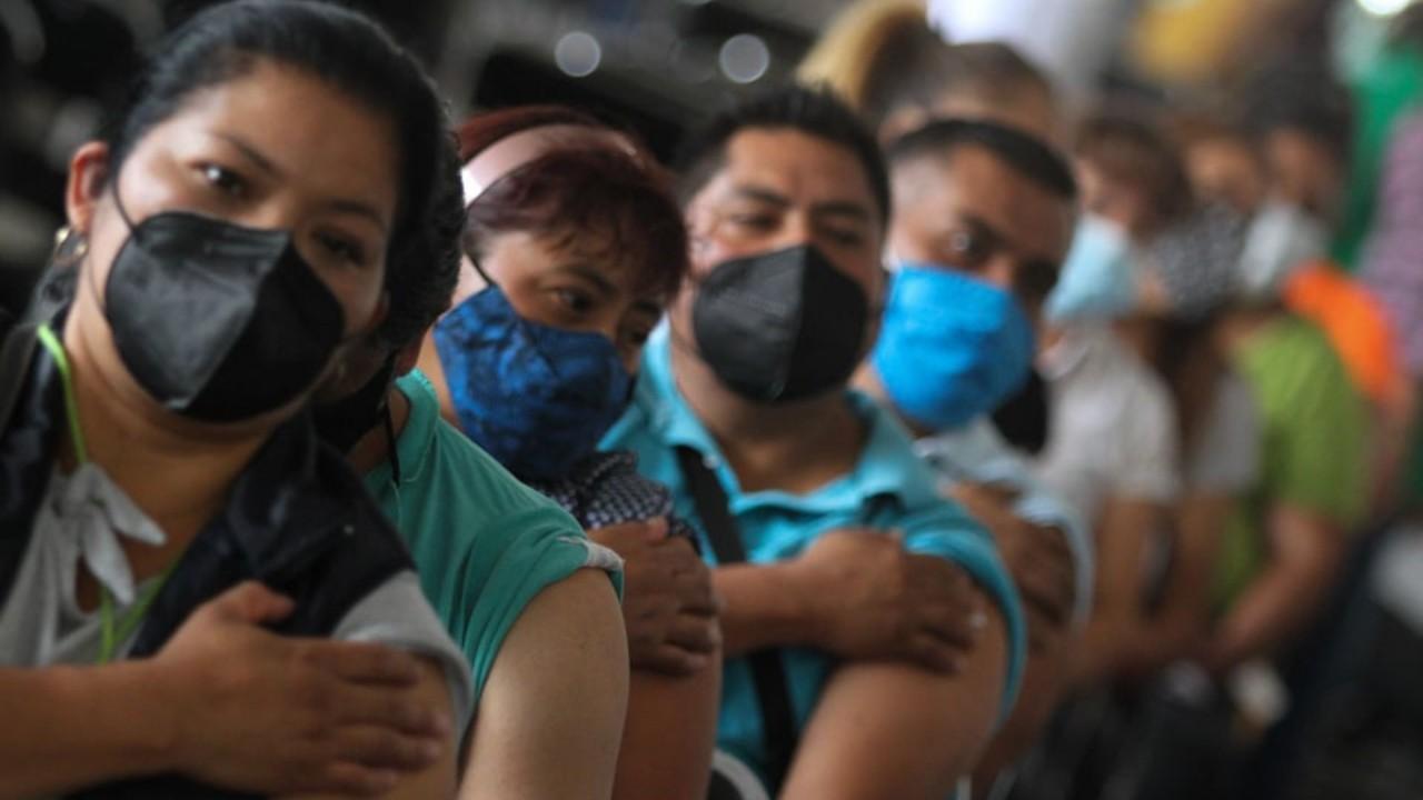 Iztapalapa concluye vacunación de 40-49 años; acudieron varios rezagados a inmunizarse