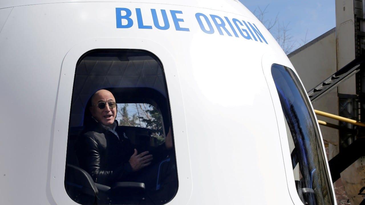 EEUU aprueba primer viaje espacial de Jeff Bezos