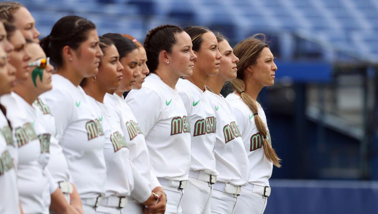Jugadoras de softbol de México piden disculpa tras polémica con uniforme en Tokio 2020