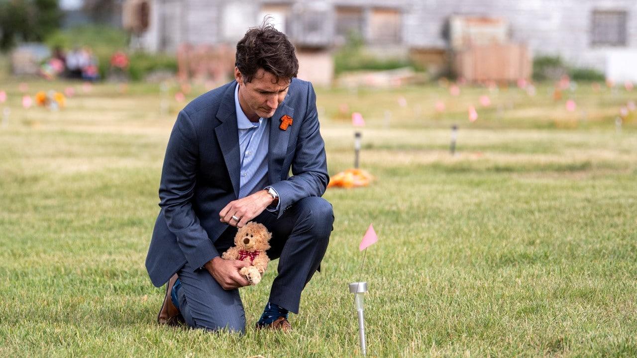 Trudeau tiene 'el corazón roto' tras hallazgo de tumbas