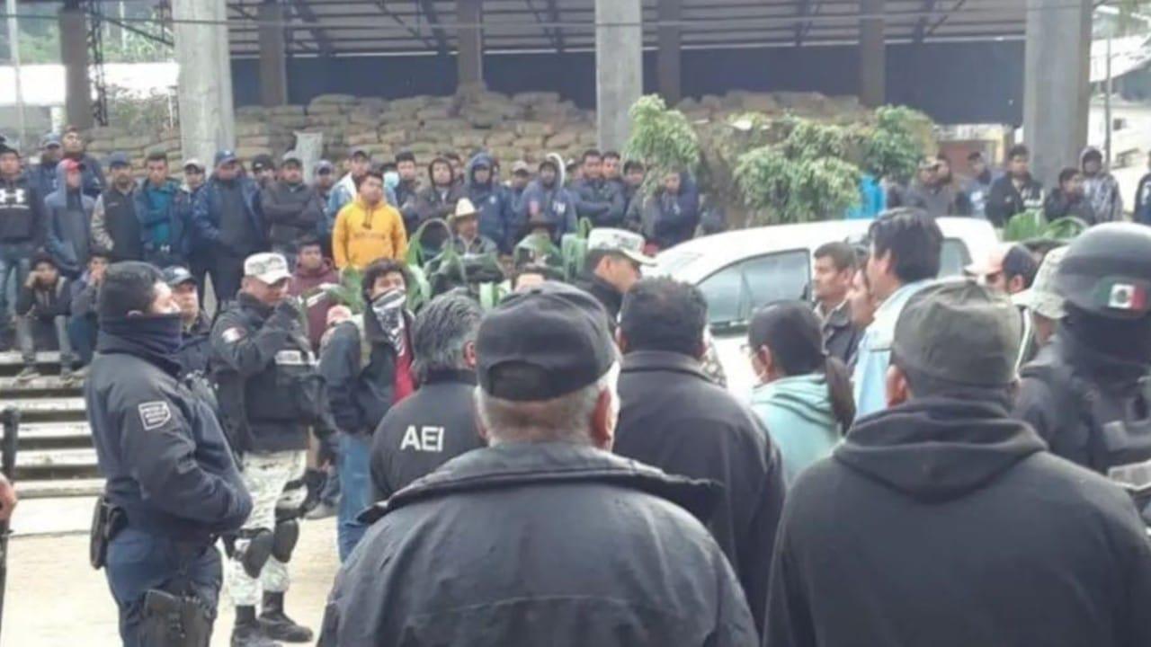 Liberan a funcionarios retenidos en Oaxaca