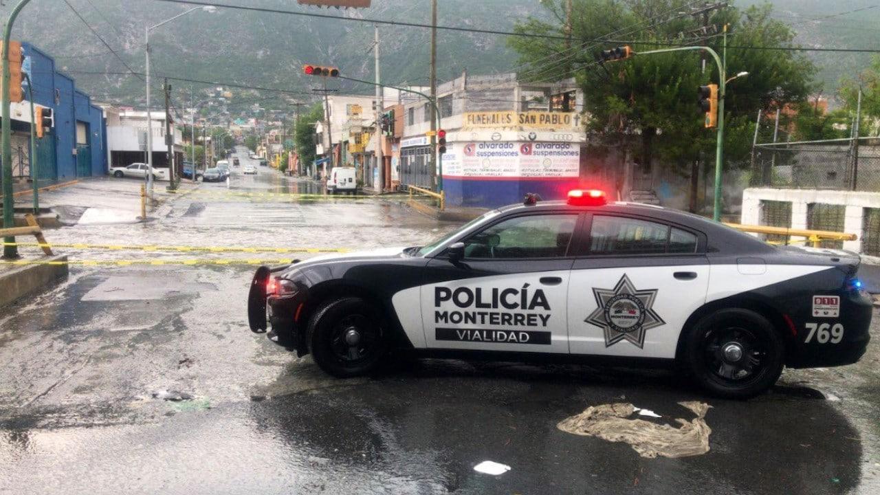 Lluvias intensas en Nuevo León (Policía de Monterrey)