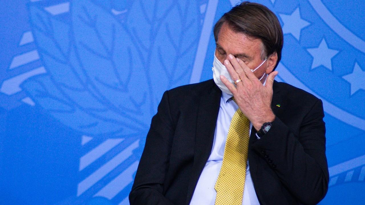Mayoría de brasileños apoyan juicio político a Bolsonaro, según un sondeo