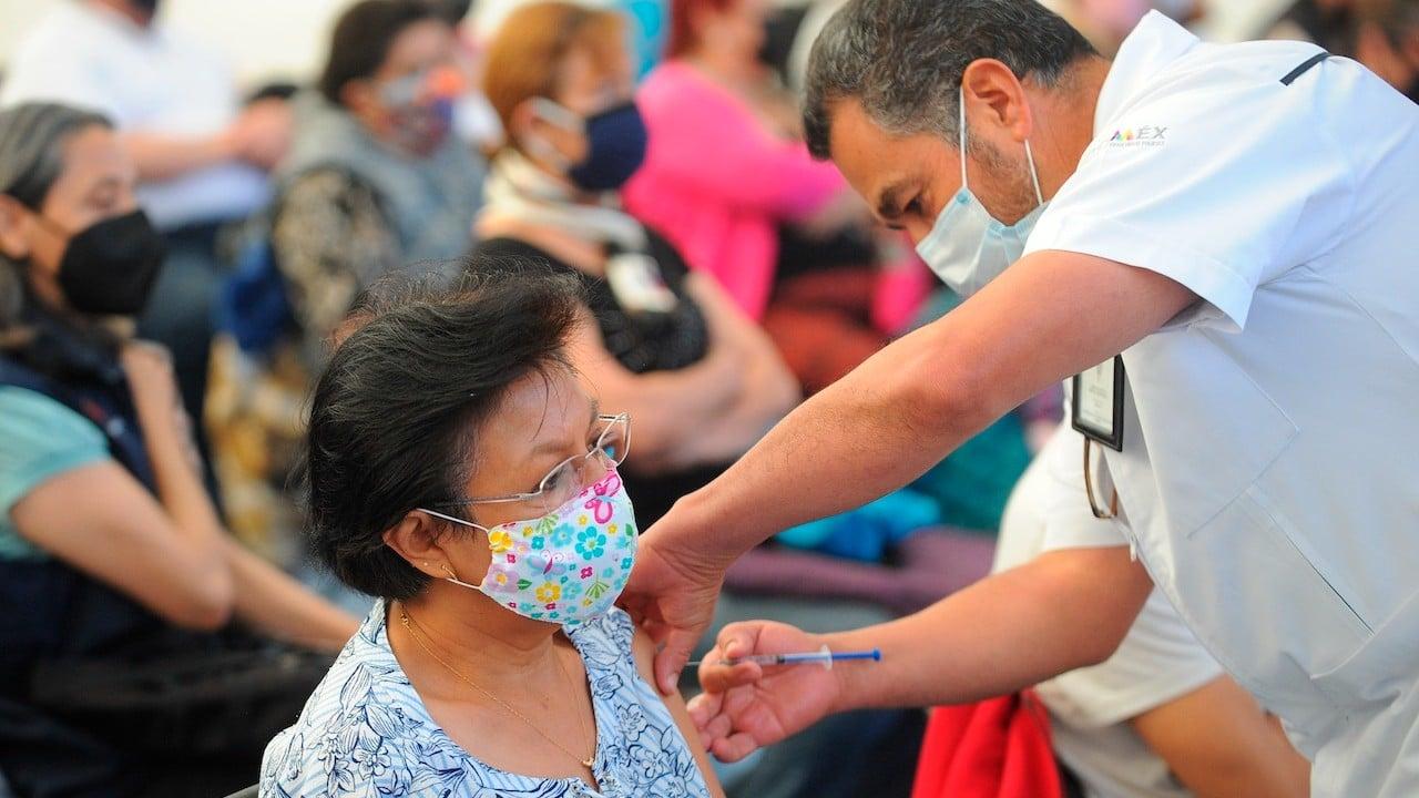 Vacunación contra COVID-19 en México (EFE)