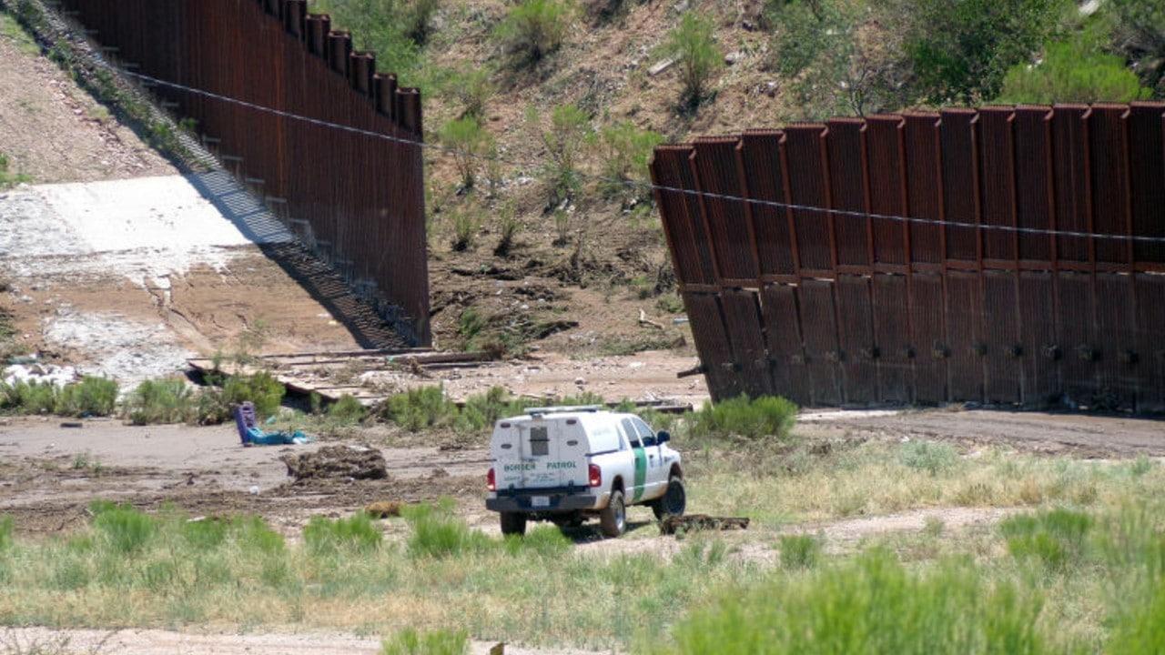 Migrante mexicano fallece tras ser rescatado por Patrulla Fronteriza en EEUU