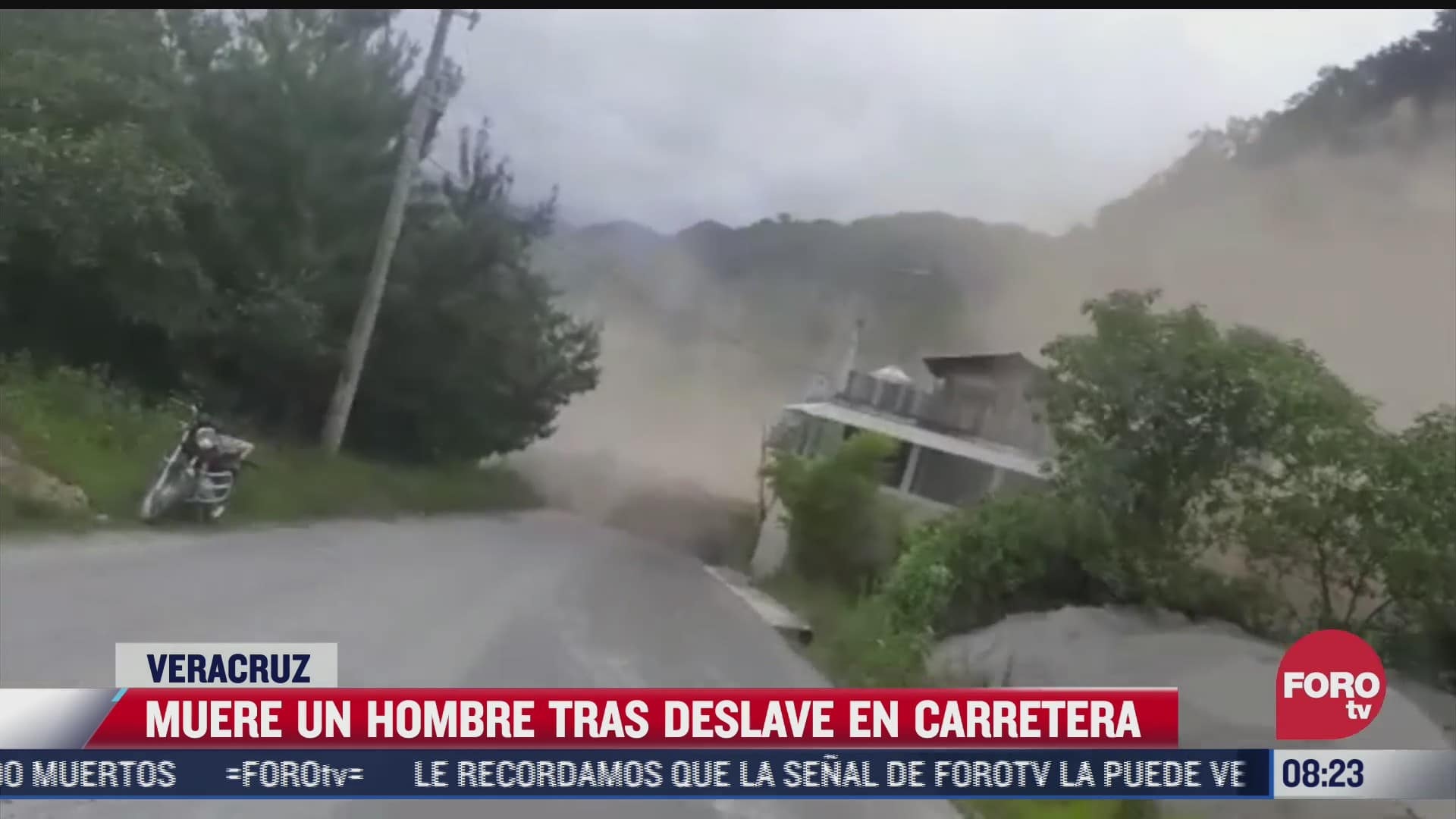 muere una persona tras derrumbe en carretera de veracruz