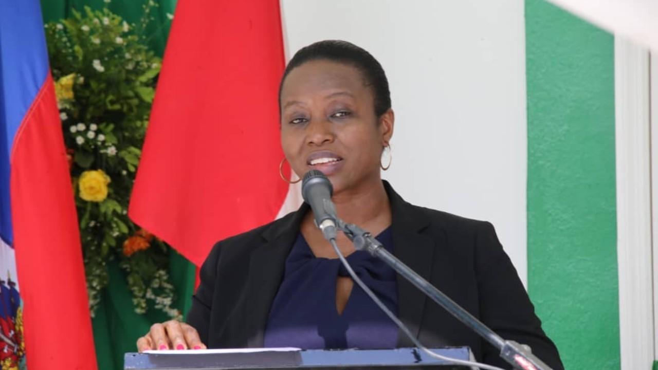 Operan con éxito a viuda del presidente de Haití