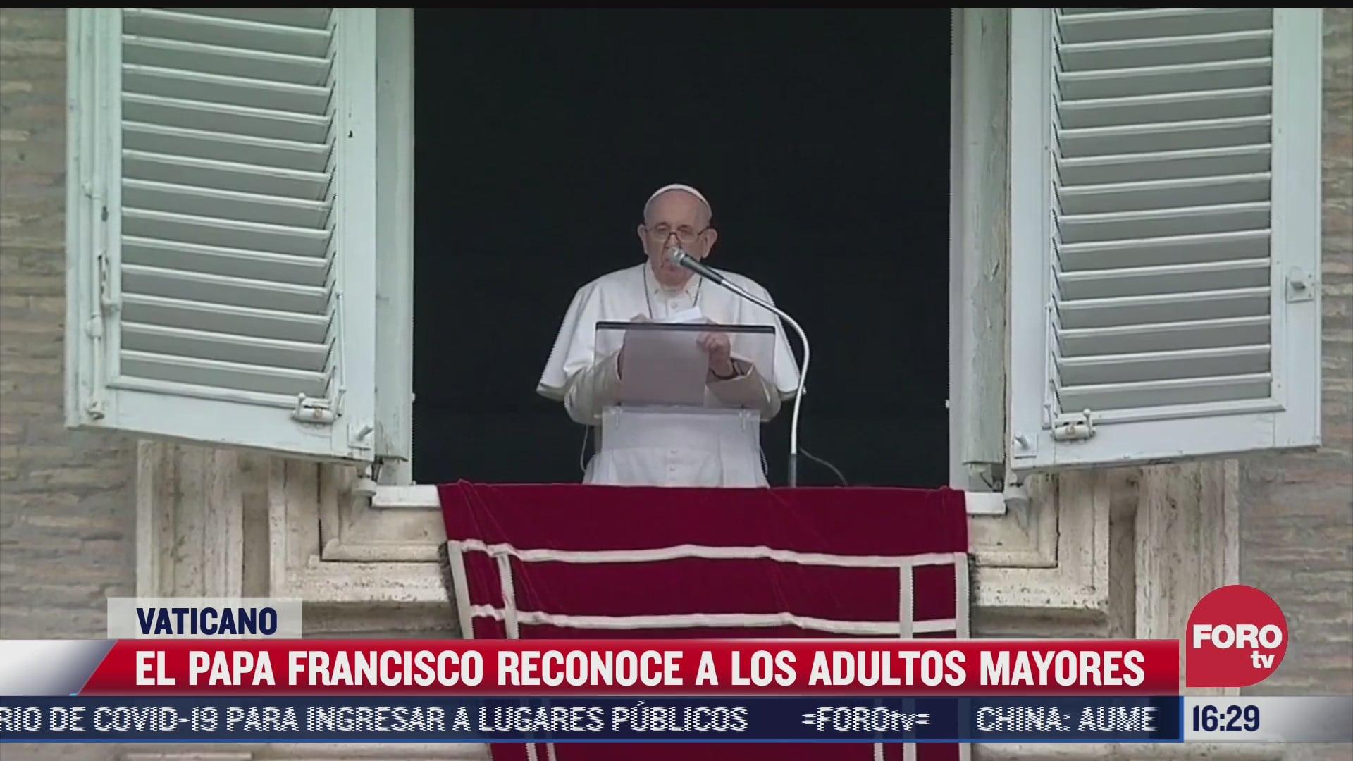 papa francisco honra a abuelos en el vaticano