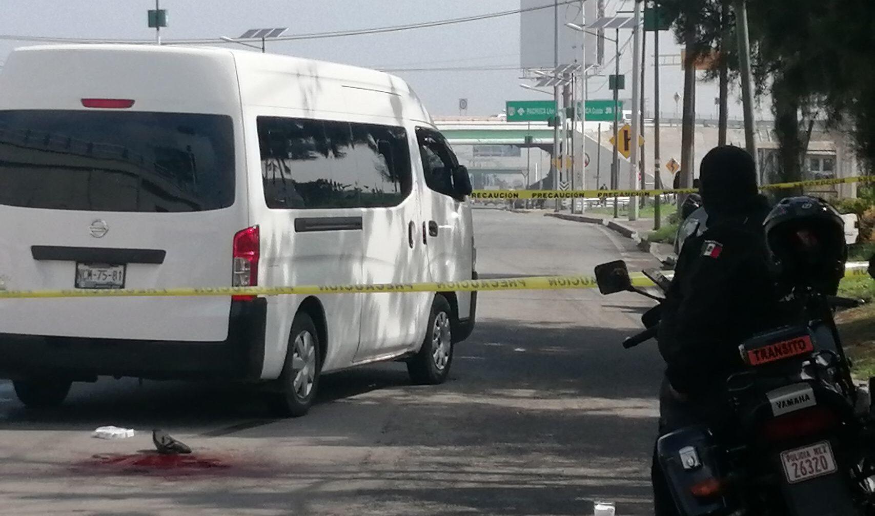 Detienen a ladrón en Tecámac, pasajeros lo golpean y desnudan
