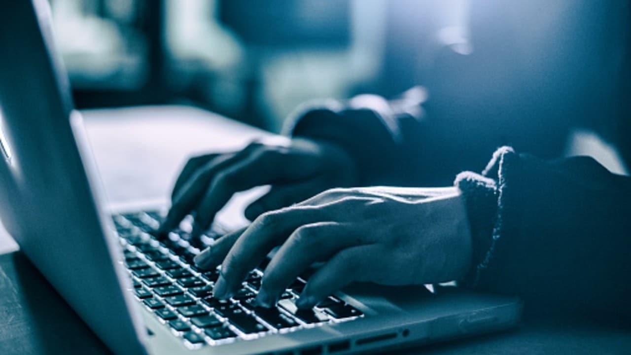 Google denuncia a hombre por pornografía