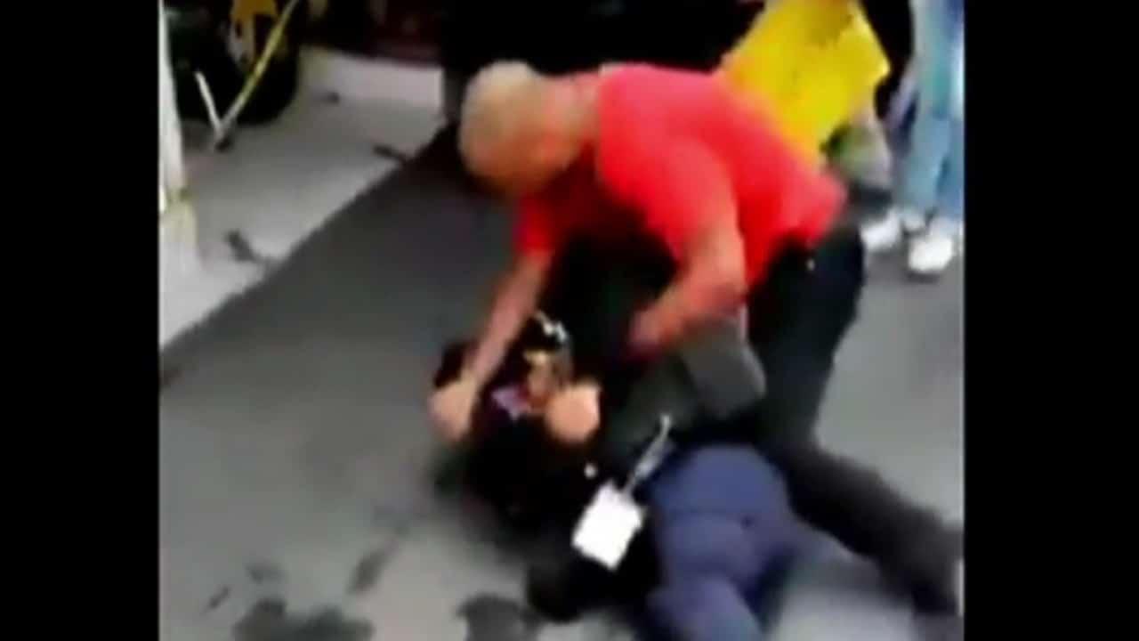Agreden a policías por intentar colocar 'araña' a una moto