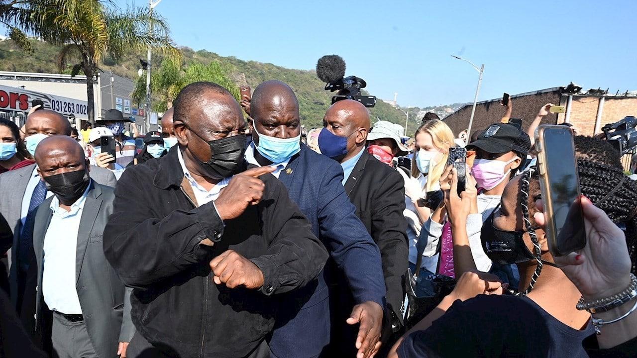 Presidente de Sudáfrica acusa intento de 'insurrección'