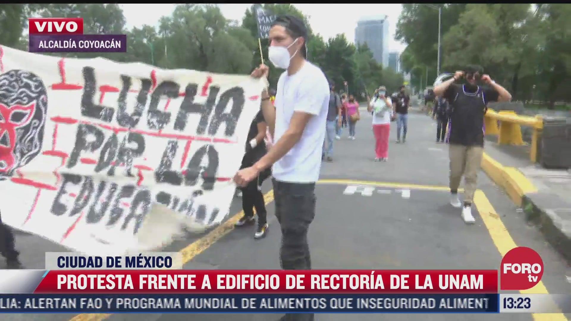 protestan frente a rectoria jovenes que no fueron admitidos en la unam