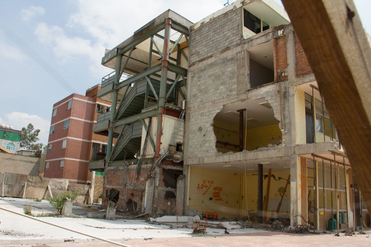 Restos de lo que fuera el Colegio Rébsamen en la colonia Nueva Oriental Coapa (Cuartoscuro)