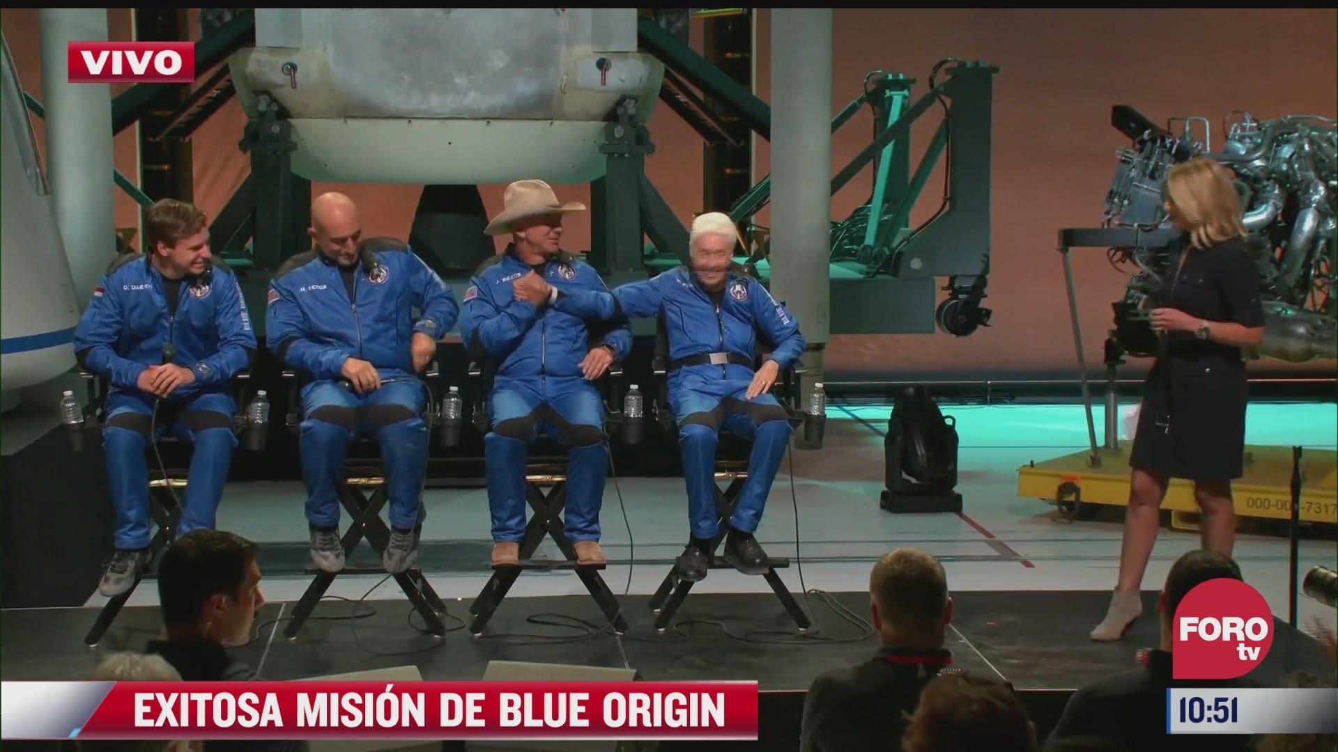 reconocen a jeff bezos y su tripulacion por primer viaje al espacio