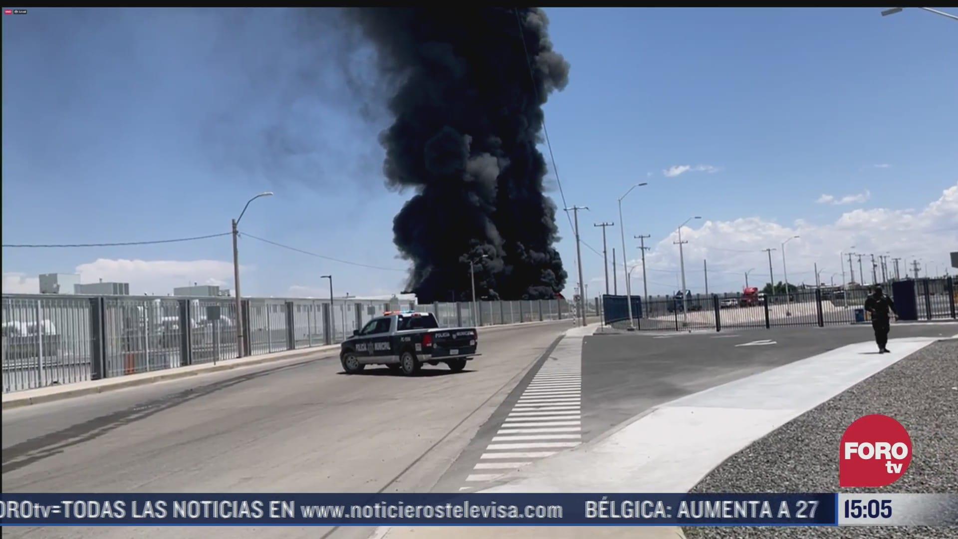 se registra fuerte incendio en fabrica de vehiculos en chihuahua