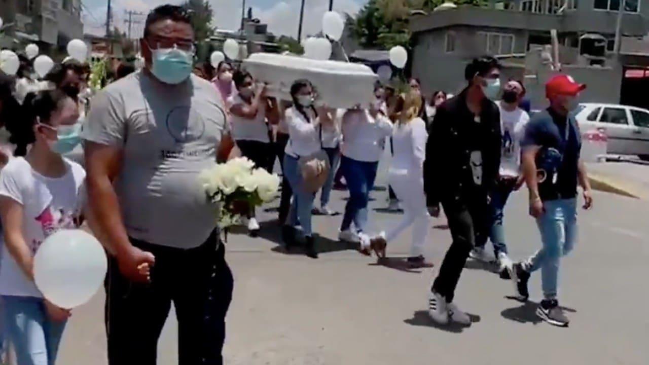 Sepultan a la menor hallada dentro de una maleta en Cuautepec, CDMX