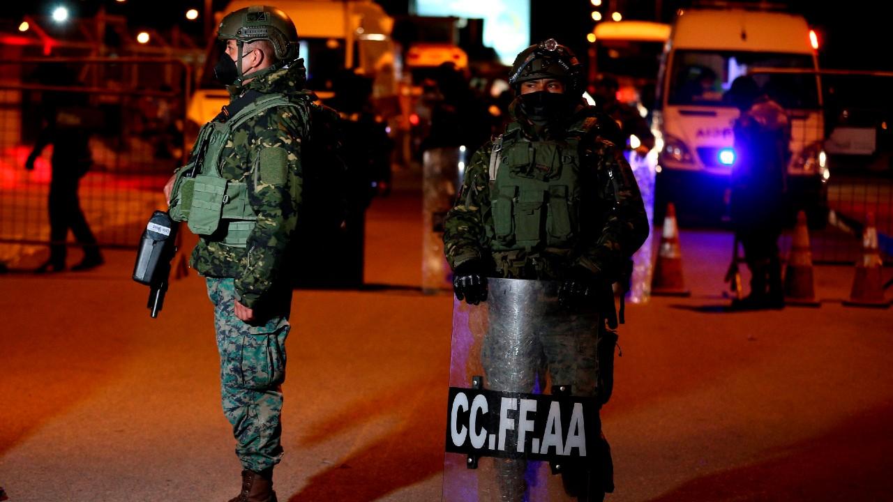 Suman 21 muertos por motines en 2 cárceles de Ecuador
