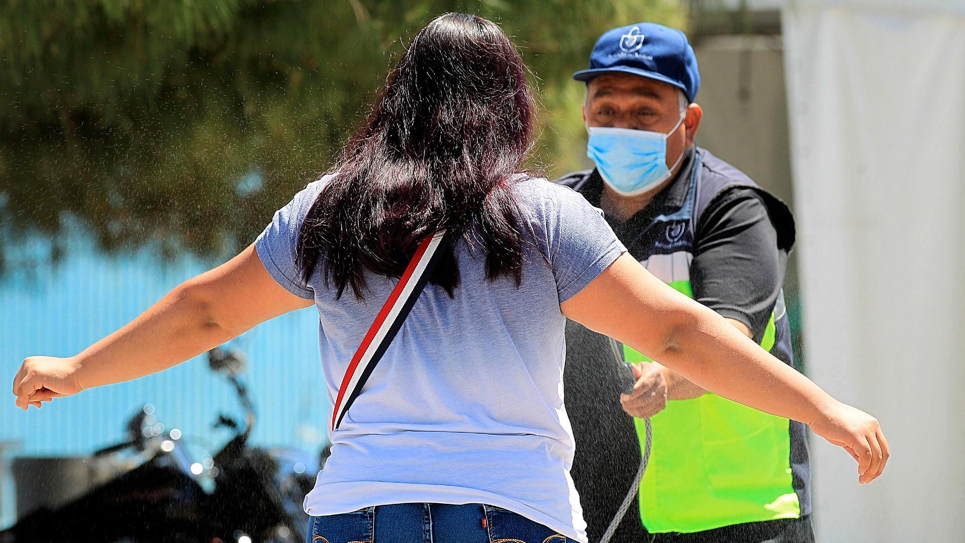 Tercera ola de COVID-19 en México podría iniciar en Baja California Sur