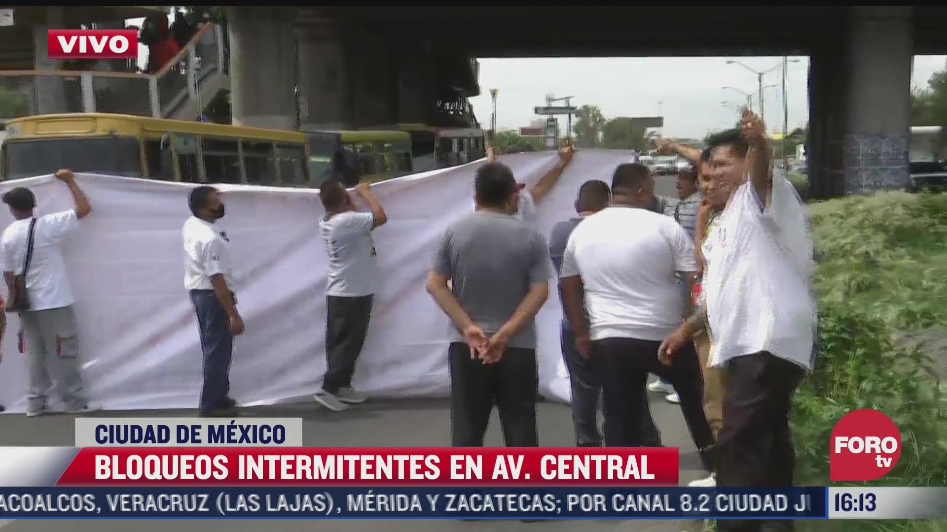 transportistas realizan bloqueo en avenida central