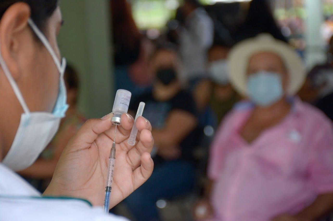 Sinaloa pasa a semáforo rojo COVID por aumento de contagios