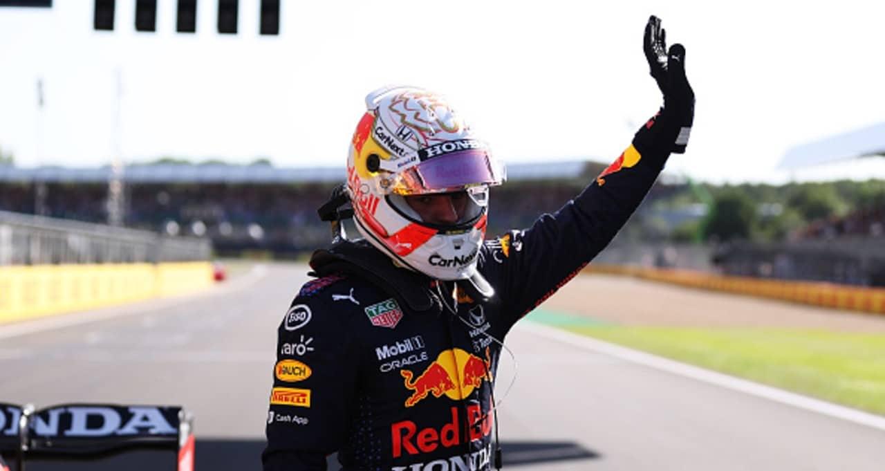Verstappen logra la pole en el GP de Reino Unido; Checo saldrá último tras accidente
