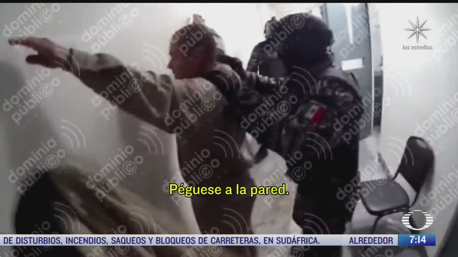 video inedito de el chapo guzman muestra como es revisado por policias