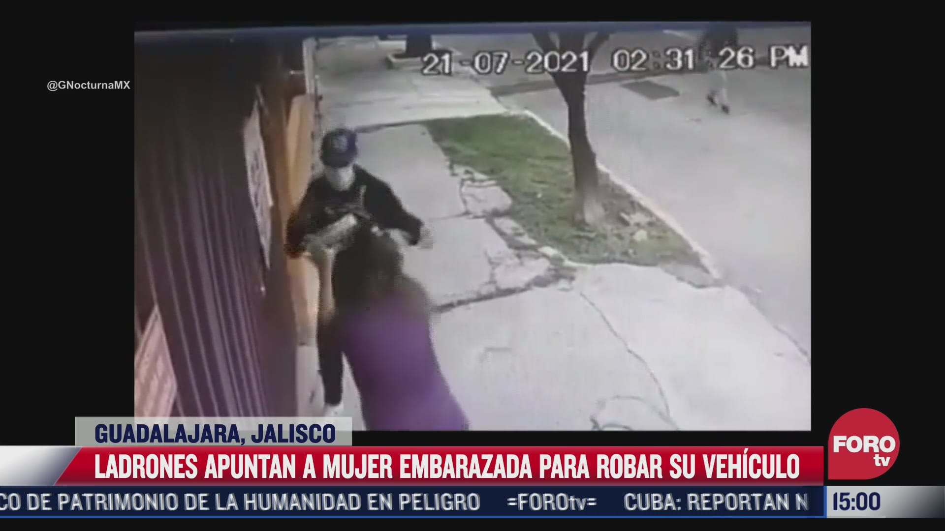 video ladron apunta con arma de fuego a embarazada