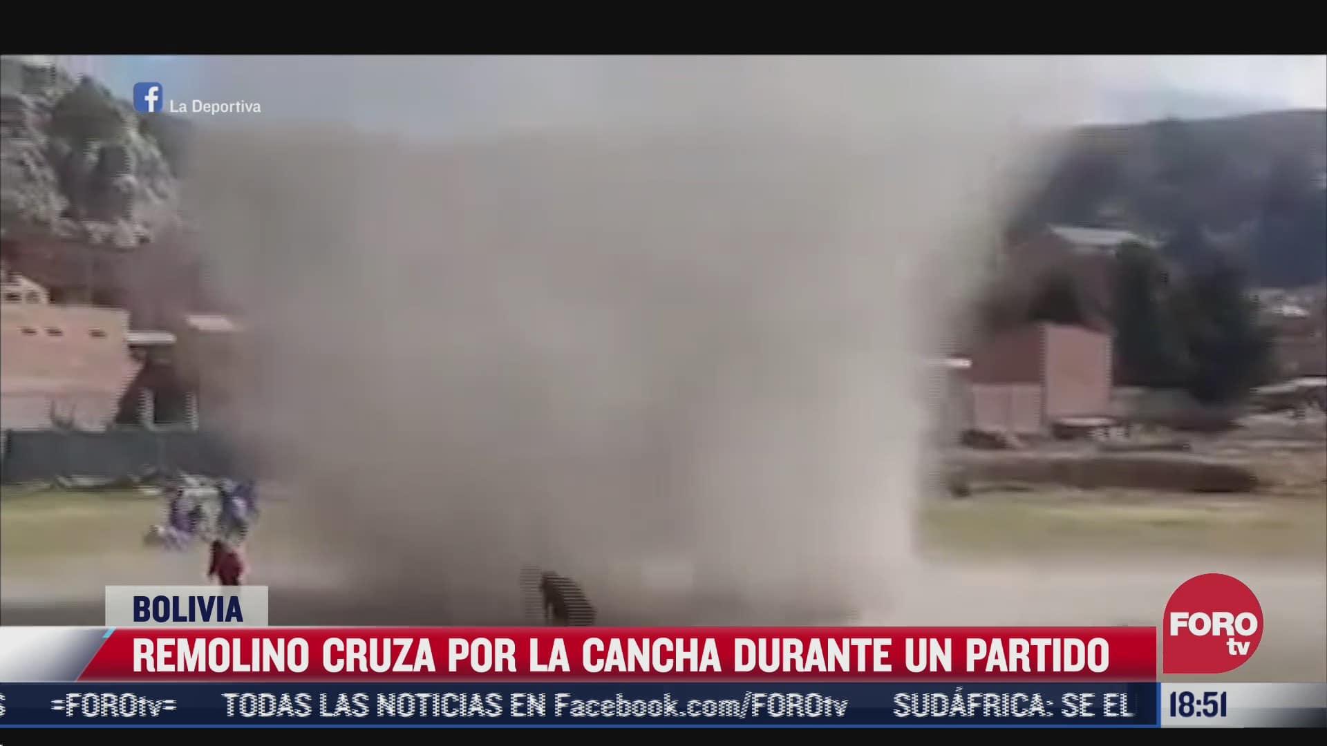 video remolino interrumpe partido de futbol llanero en bolivia