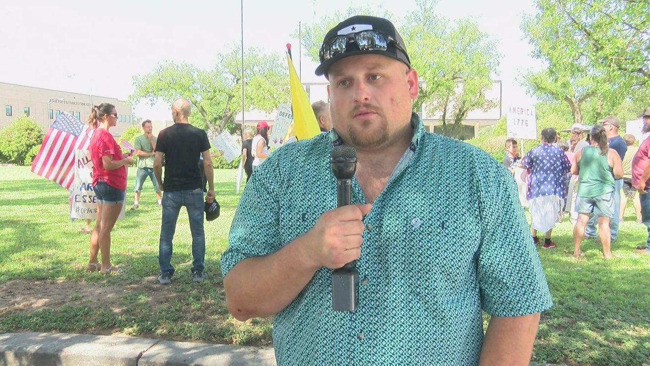 Activista Cubrebocas Muere COVID-19 Caleb Wallace