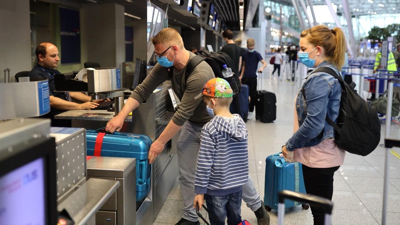 Alemania exige prueba negativa por COVID-19 a viajeros